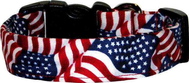 Small Waving American Flags Dog Collar