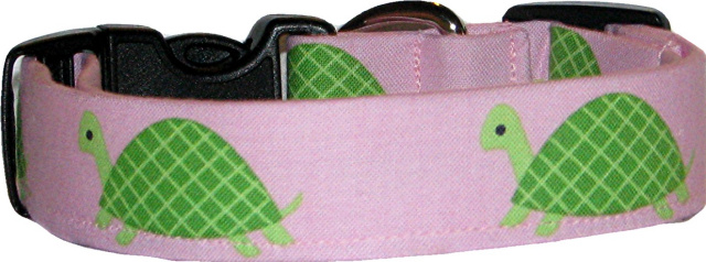 Green Turtles on Pink Dog Collar