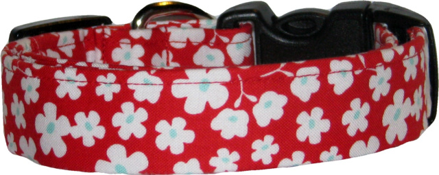 Red & White Posies Dog Collar