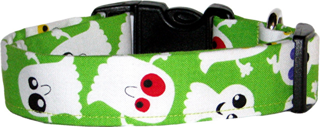 BIg Silly Ghosts on Lime Dog Collar