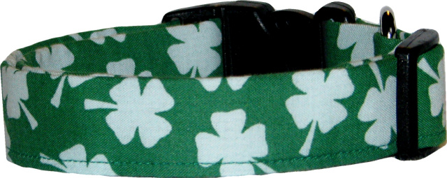 Big Shamrocks on Kelly Green Dog Collar